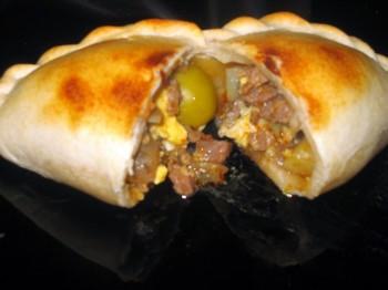 Empenadas saltenas, cuisine Bolivie