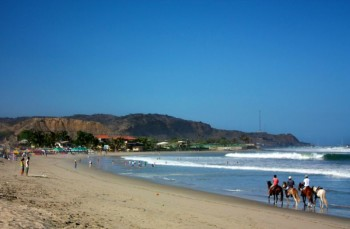 Balade à cheval sur la plage de Mancora